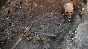 130204153511-richard-iii-remains-4-horizontal-gallery