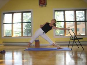 386_Utthita_Trikonasana_with_chair_as_prop